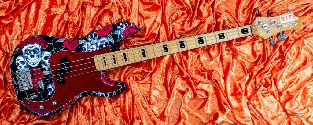 Skulls & Roses Bass